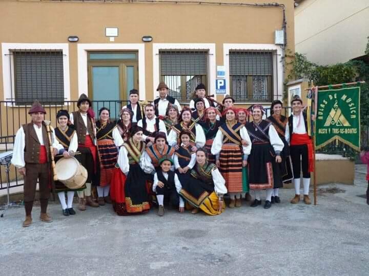 Grupo Aulas de Música de Aliste y Tras-Os-Montes en Sarracín de Aliste